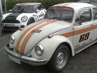 Streifendesign an historischem Käfer